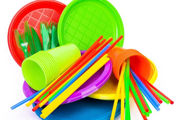 Химикали и следи от пластмаса в организма на деца и подрастващи
