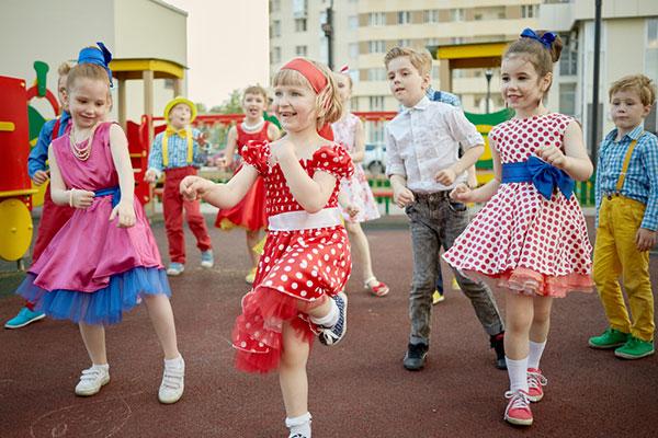 Танците са важни толкова, колкото и уроците по математика