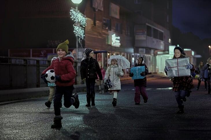 """""""Бягството на децата"""" – една по-различна приказка за важните неща на Коледа"""