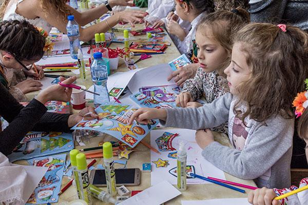 """Кампанията """"Подари приказна зимна ваканция"""" събра над 200 деца"""