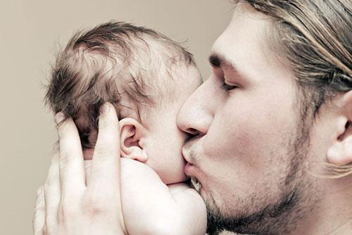 ЕС прие бащите да имат поне 10 дни отпуск за раждането на наследник