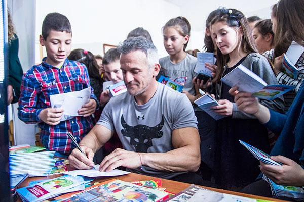 """28 български спортисти се включиха в """"Походът на книгите"""" тази година"""