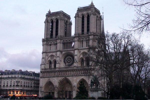 Парижката Света Богородица: Майката