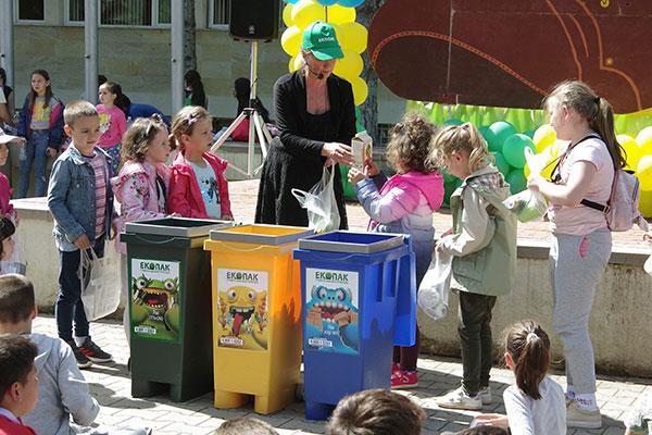 Над 300 деца от Правец вече знаят как да сортират отпадъци