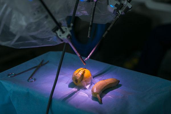 Безкръвни операции с робот Да Винчи ще се правят в Майчин дом