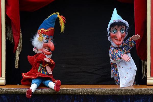 Как да си направим домашен куклен театър
