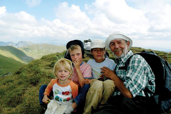 На планина с деца – наръчник с идеи и съвети за планински преходи с малки деца