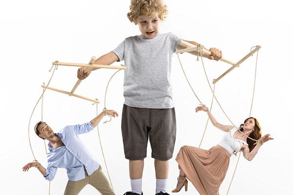 Как да се държим с детето манипулатор