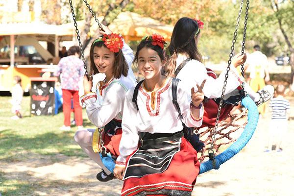 """Благотворителният фестивал """"Усмихни се!"""" събра 30 000 лв. за развитието на Карин дом"""