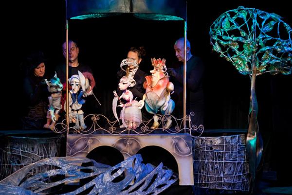 Столичният куклен театър кани деца и татковци да майсторят кукли