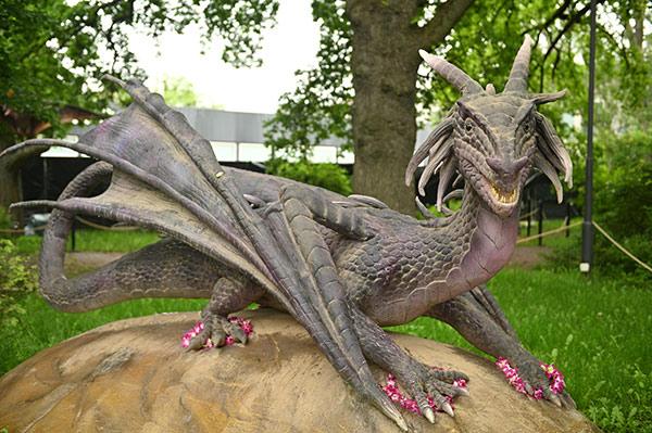 Уникален фентъзи парк на открито с дракони от цял свят отвори врати за посетители в столичния парк Възраждане